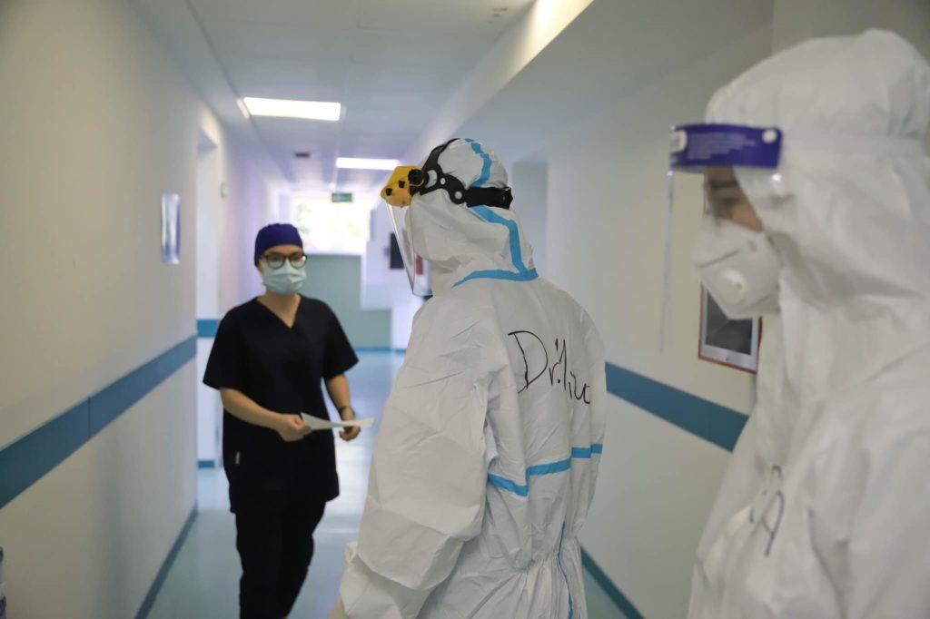Manastirliu poston foto nga Infektivi   Të shtruar edhe pacientë të rinj me simptoma të rënduara